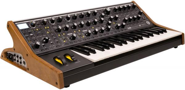Synthesizer Moog Subsequent 37 + Expressive E Touché